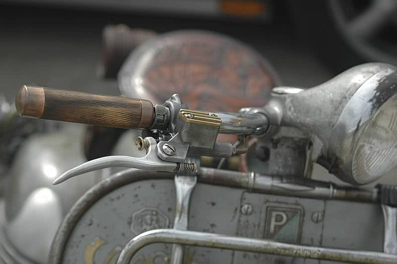 Old Scooter motif